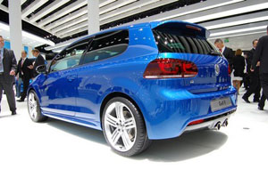 VW Golf R faster than Focus RS